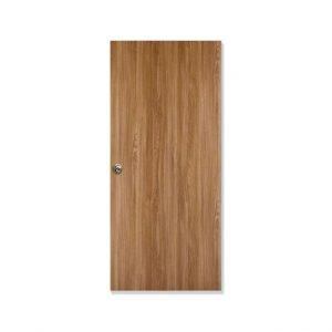 puerta de nogal madera
